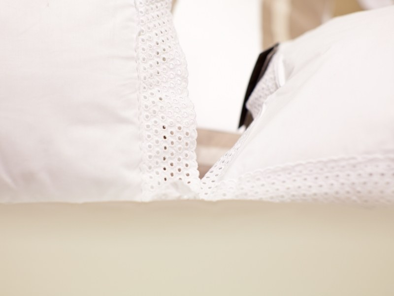How to Make Pillow Cases with Borders.